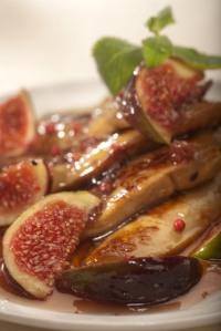 Husí játra z pánve s karamelizovanými fíky