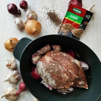 Pomalu pečené vepřové maso