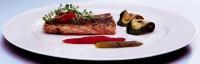 """Filé z lososa """"cajun"""" s grilovanou zeleninou a rajčatovou salsou"""